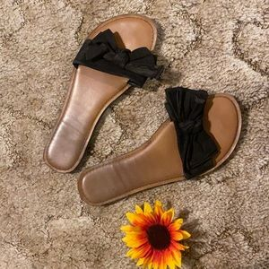 Black bow sandals